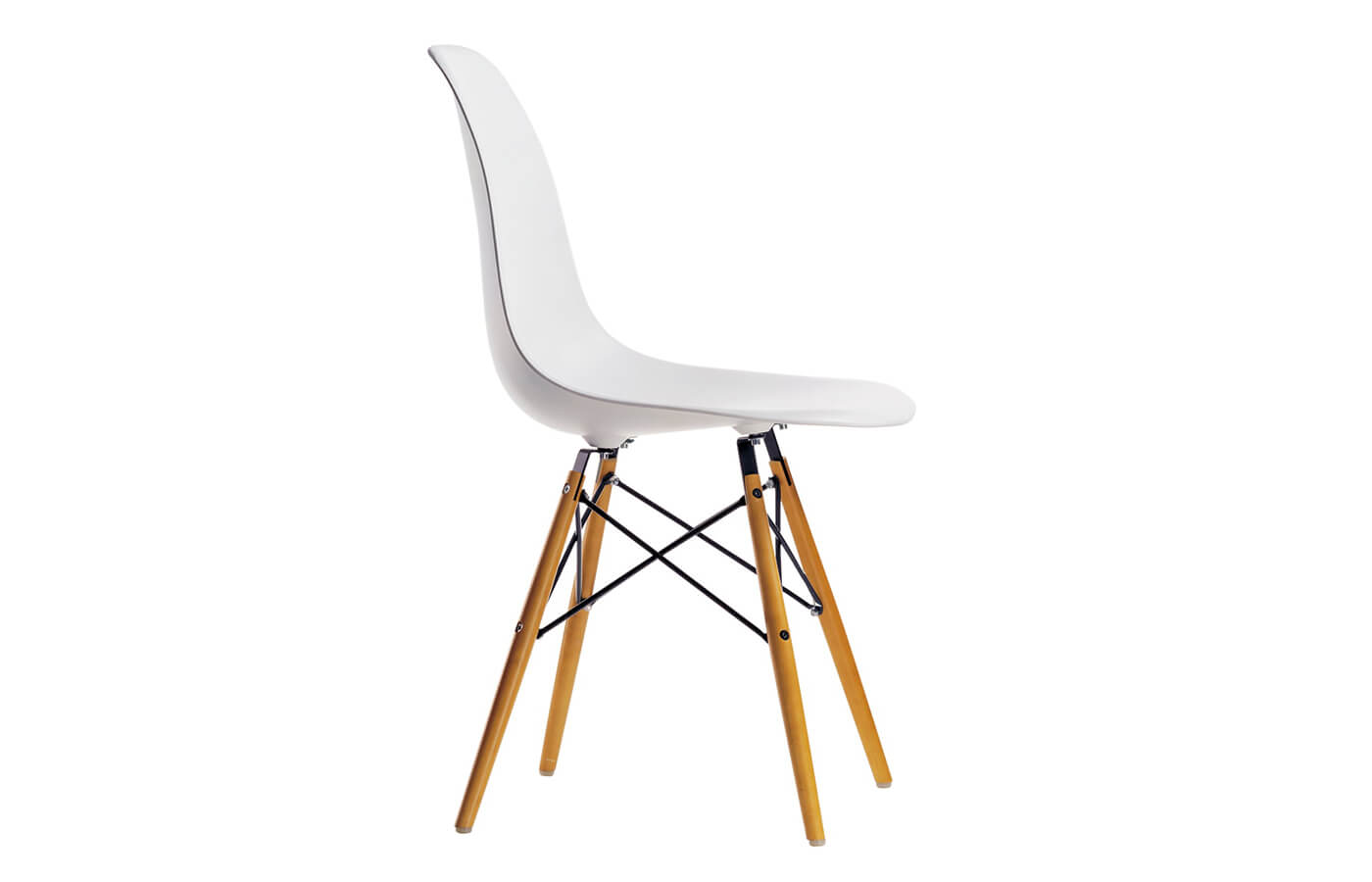 Plastic Side Chair o S-schell di Charles e Ray Eames