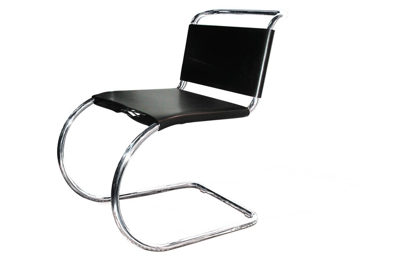 Sedia a sbalzo progettata da Mies van der Rohe per l'esposizione del Weissenhof del 1927